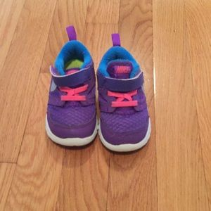 Purple nike shoes size 6